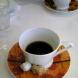 2007,作品「閾(しき)」(第二回岡本太郎記念現代芸術大賞準大賞受賞作品)のコンセプトに基づくコーヒーカップ&ソーサー。広告代理店と美術館の共同企画で制作。ワタリウム美術館地下オンサンディーズで展示